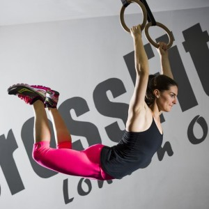 CrossFit London - Jennifer Broxterman muscle up